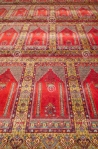 red-carpet-historical-ottoman-mosque-turkey-29830152